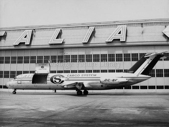 ䷹�c��#�!.:`�9���/)9f�x�_PhotographofItalianAirAlitaliaDC-9FCargoAircraft-TheNostalgicPictureLibrary