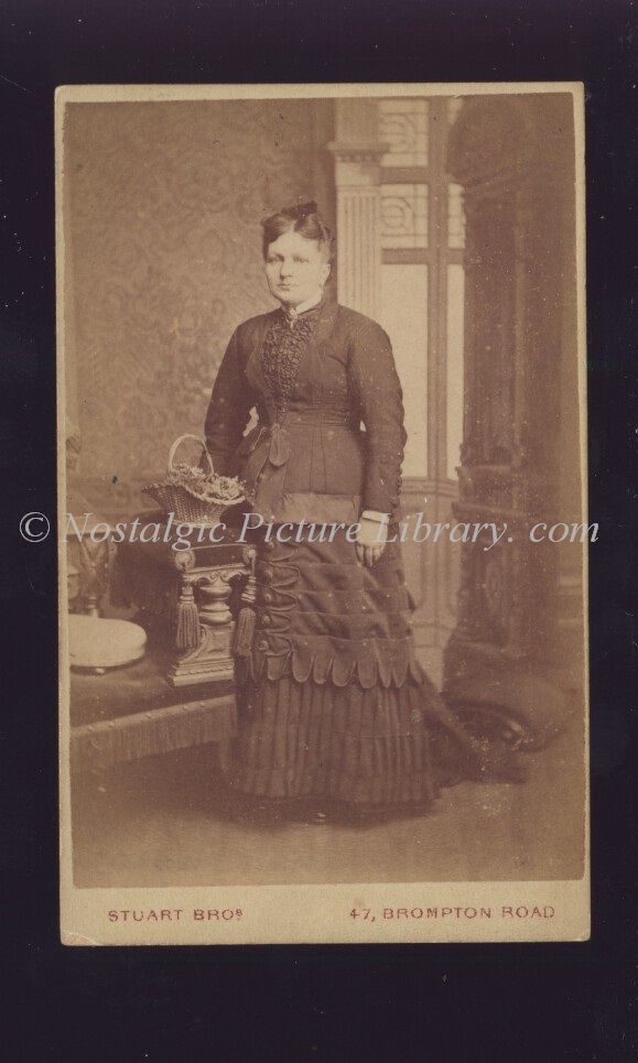 Cartes De Visite Image Of Women In Fashionable Attire By Stuart Bros